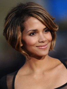 Halle Berry 5 black celebrity hairstyles 38 227x300