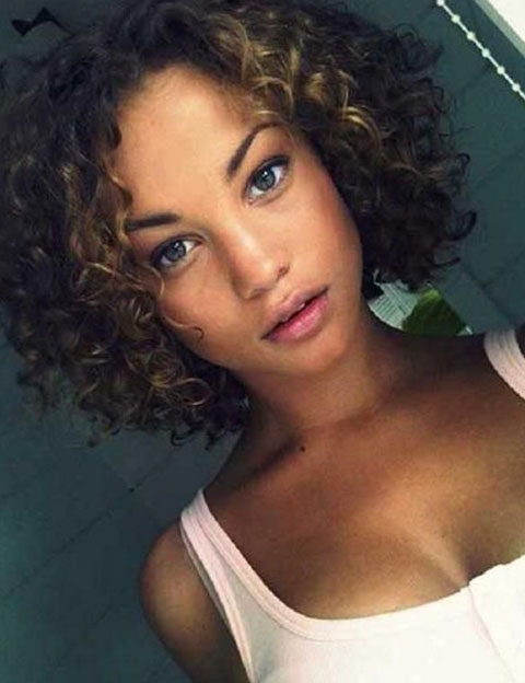 short hairstyles for black women Cute Short Hairstyles for Black Women short hairstyles for black women 33
